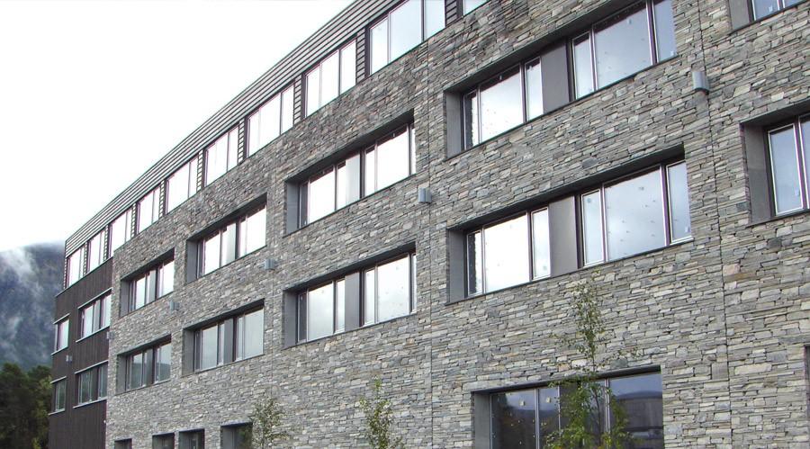 Fasade fra Norheim Natursten